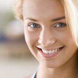 Чистка зубов Air Flow | Профессиональная и безболезненная чистка зубов air flow
