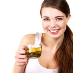 Стоматологи рекомендуют отказаться от сладкой газировки и переключиться на чай
