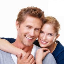 Отбеливание зубов Американской системой ZOOM + снятие чувствительности препаратом «Innodent» (Швейцария) за 7,000 руб. на все зубы!